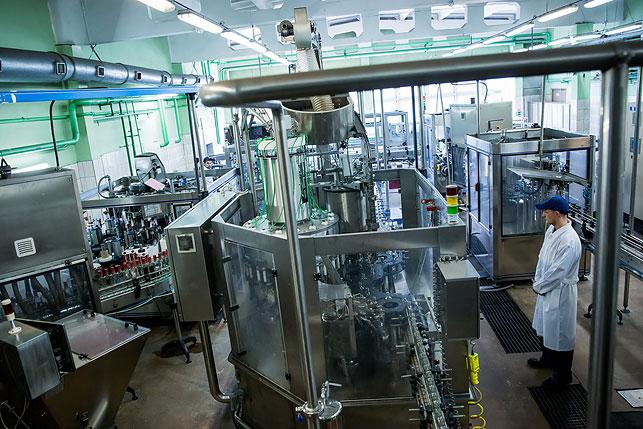 Качество ликеро-водочной продукции завода обеспечивают три главных фактора - чистейшая вода, собственный спирт и использование натуральных ингредиентов.