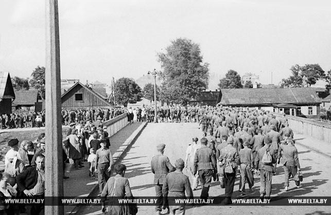 3 июля 1944 года был освобожден Минск. Так выглядели гитлеровские завоеватели в этот день. Фото Владимира Лупейко