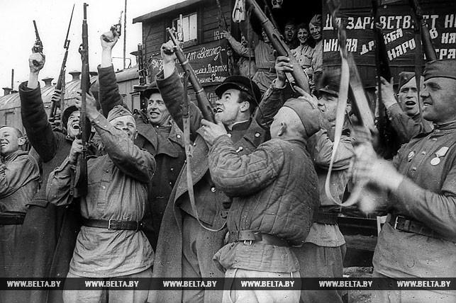 1 мая 1945 года. Салют Победы! Фото БЕЛТА