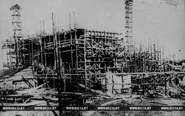 """Строительство главного корпуса электростанции """"БелГРЭС-1"""" Осинстроя. 1928 год"""