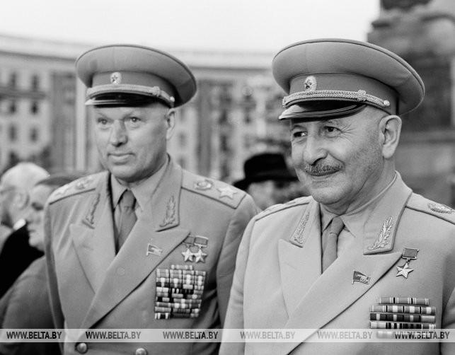 Маршалы Советского Союза К.К. Рокоссовский и И.Х. Баграмян, 1964 г.