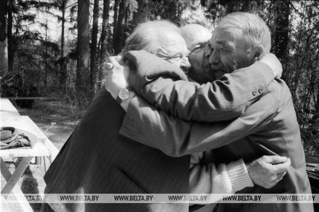 Участники партизанского движения (бригада имени Фрунзе), 1995 г.