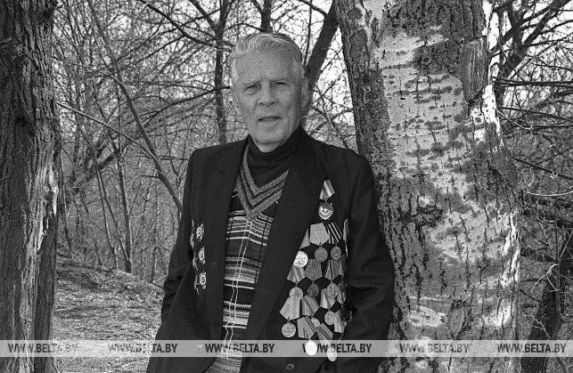 Участник Великой Отечественной войны Василий Иванович Браилко, 2000 г.