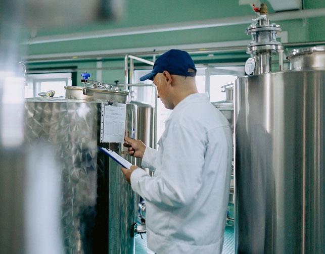 Жесткий контроль на каждом этапе производства обеспечивает высокое качество напитков, которое ценят не только белорусские, но и зарубежные покупатели