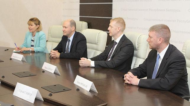 Следственный комитет и ФБР обсудили в Минске взаимодействие в расследовании киберпреступлений