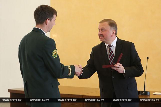 Главный лесничий Оршанского лесхоза Денис Жевняк награжден медалью