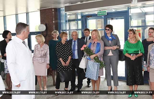 Участники круглого стола во время посещения РНПЦ радиационной медицины и экологии человека в Гомеле