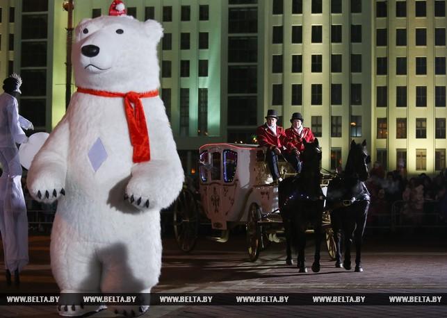 ВМинске состоялось обычное шествие Дедов Морозов