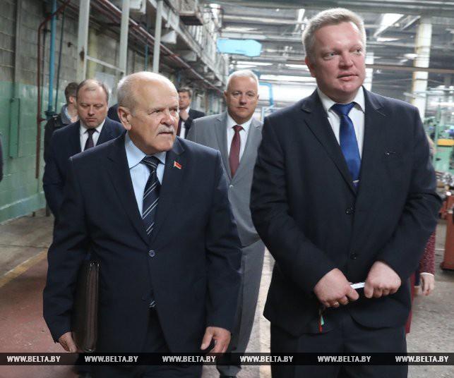 Председатель Комитета государственного контроля Леонид Анфимов и директор ОАО