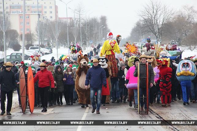 """Во время парада кукол """"Баба-фэст"""""""