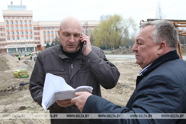 Заместитель начальника Гомельского городского УКС Леонид Разумов и директор ООО