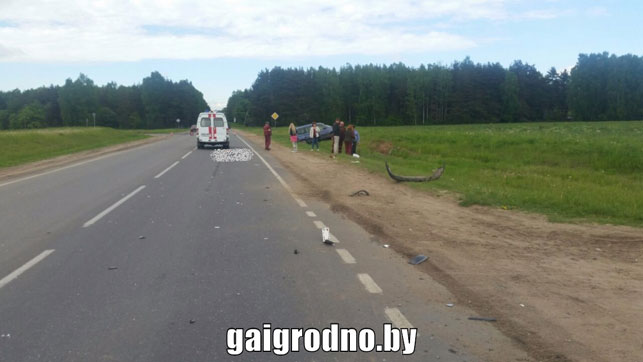 ВЛиде под колесами автомобиля умер байкер