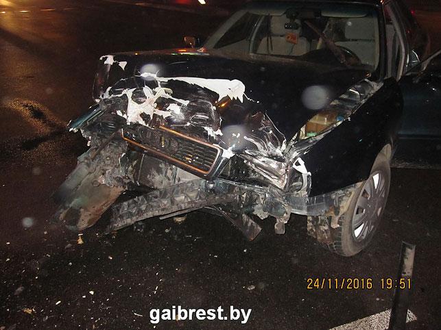 ВБресте шофёр вДТП сломал позвоночник