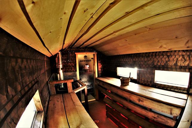 Внутри Sauna Truck - передвижной финской сауны