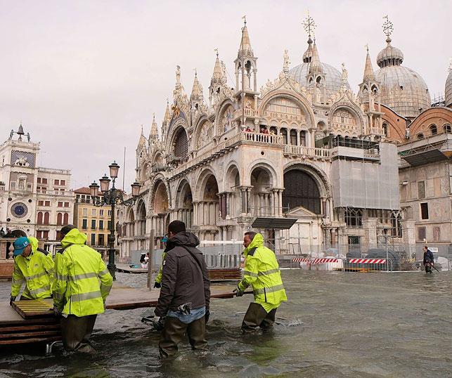 Наводнение в Венеции. Фото Ansa/Stringer