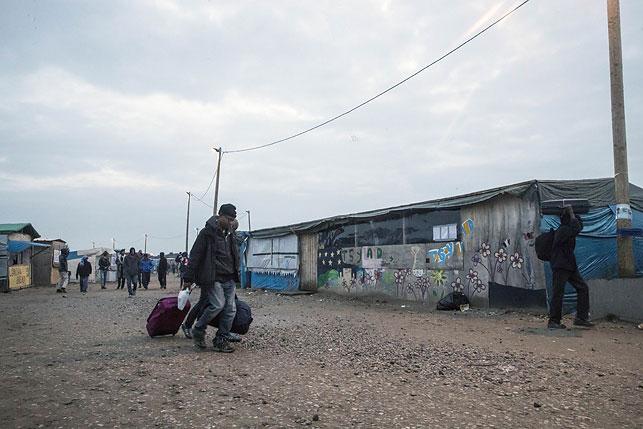 ВКале пылают «Джунгли» мигрантов