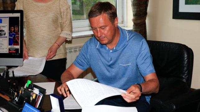 Хацкевич сменил Реброва вдолжности основного тренера киевского «Динамо»