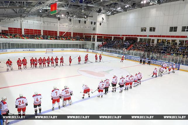 Хоккейная команда Лукашенко одержала победу влюбительском турнире