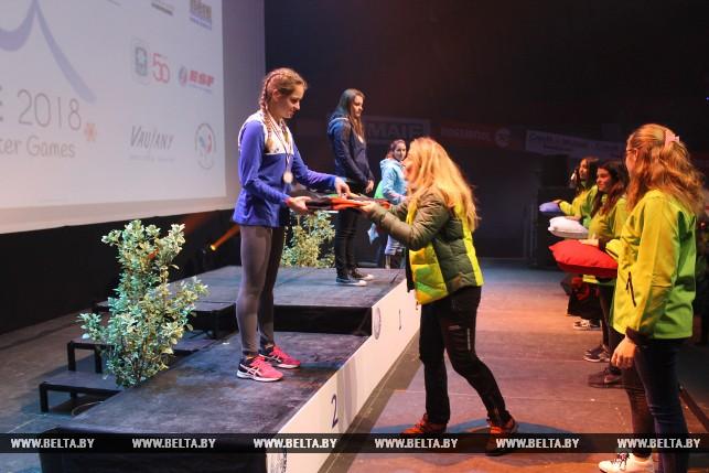Серебрянный призер в спринтерской гонке по биатлону Дарья Кудаева