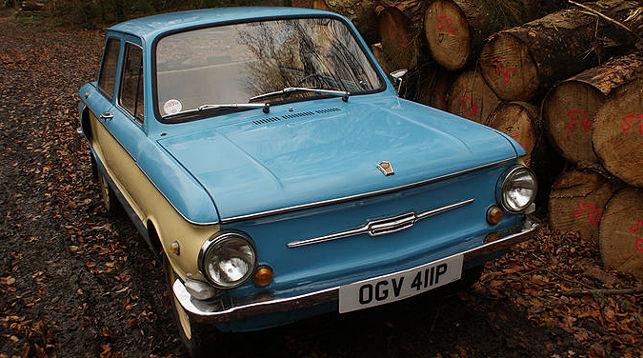 Британский ученический педагог собрал коллекцию советских авто