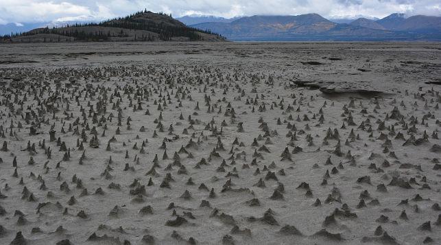 ВКанаде из-за отступления ледника пропала река