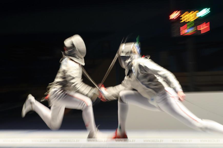 Финальные соревнования в сабле у женщин. Полина Сидорович - Анна Иванищенко