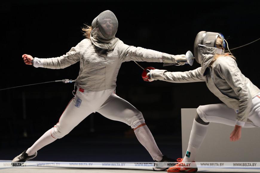 Финал с соревнованиях в сабле у женщин. Анна Иванищенко - Полина Касперович