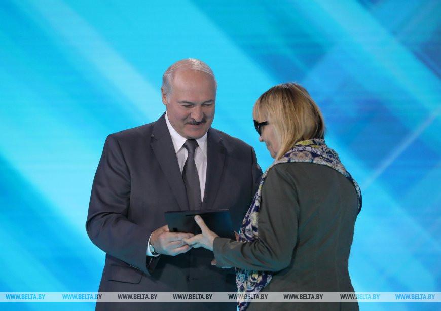 Александр Лукашенко и Елена Петкевич