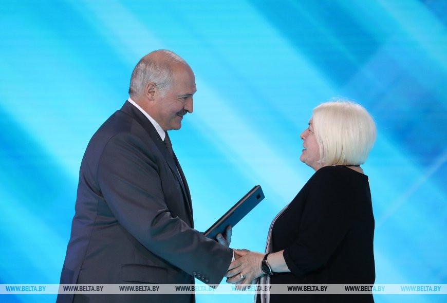 Александр Лукашенко и Оксана Черкасова