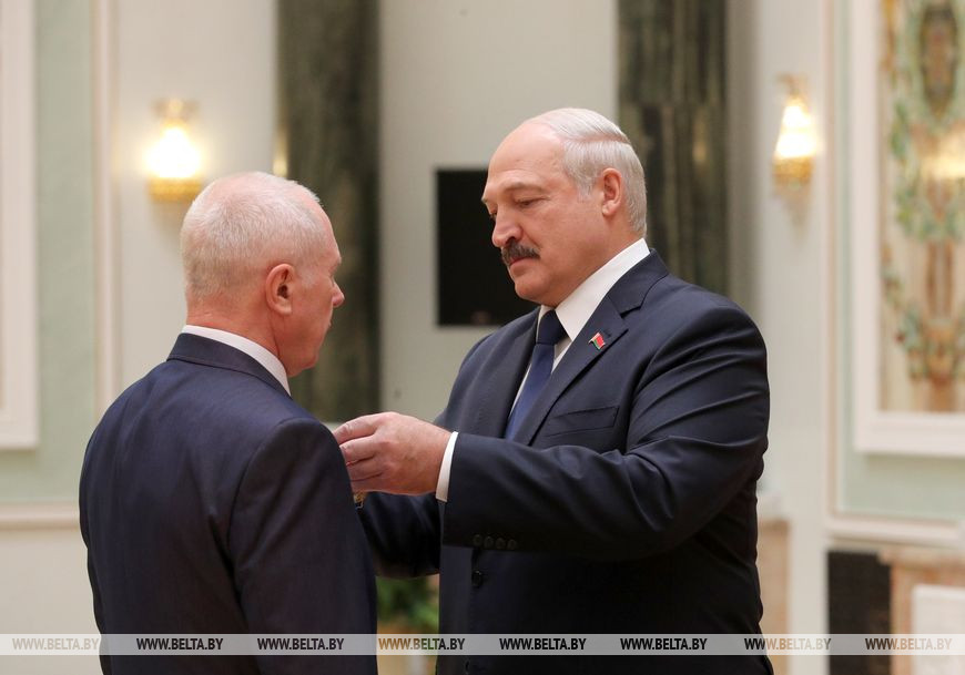 Судья Ошмянского района Виталий Казакевич награжден орденом Почета