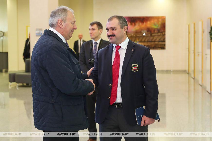 Сергей Румас и первый вице-президент НОК Виктор Лукашенко