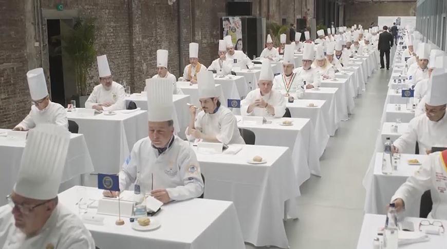 Оценку дают известные шеф-повара - обладатели мишленовских звезд, а также сомелье из различных европейских кулинарных ассоциаций.