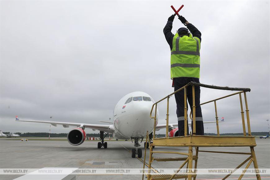 Самолет с гуманитарным грузом прибыл в Национальный аэропорт Минск