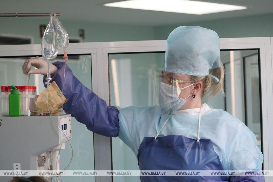 Операционная медсестра Оксана Комарова
