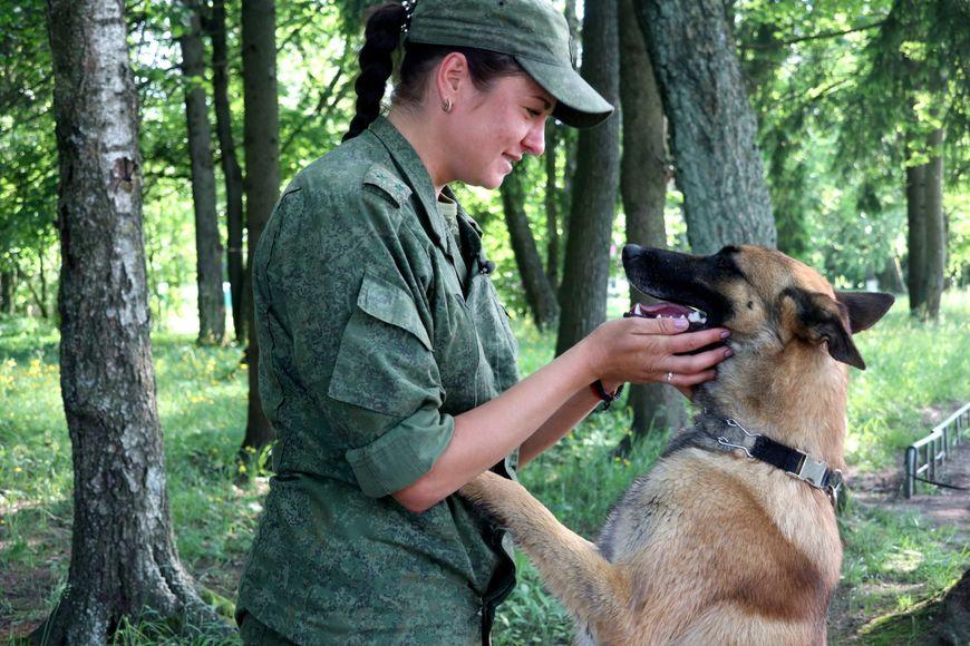 Работа кинологом в москве без опыта для девушек работа для полных девушек москва