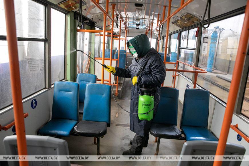 Во время дезинфекции и уборки троллейбуса