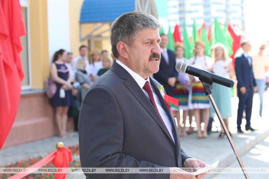 Председатель Гомельского облисполкома Геннадий Соловей во время выступления во время открытия спортивного комплекса