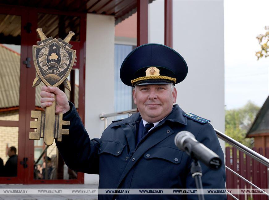 Символический ключ в руках Виталия Жигимонта