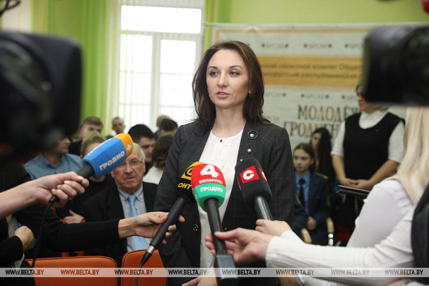 Анна Саросек