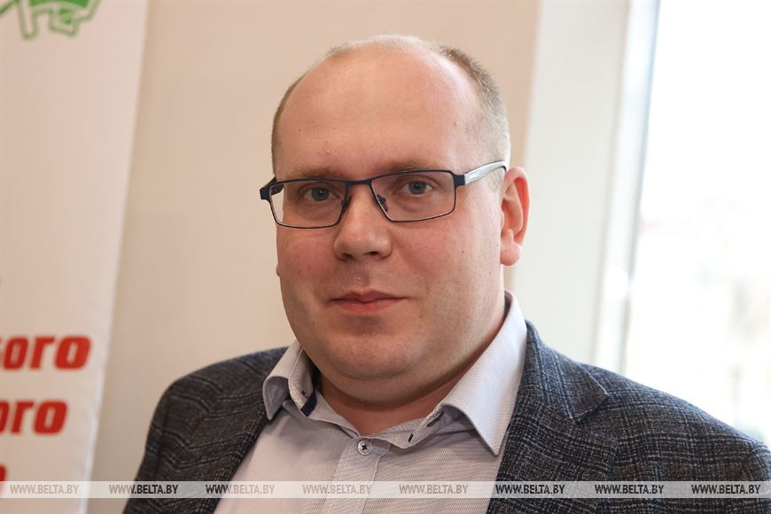 Андрей Довнар