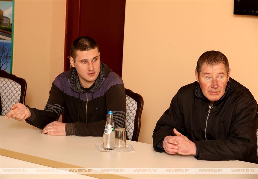 На приеме Олег Свиридов с сыном Владимиром