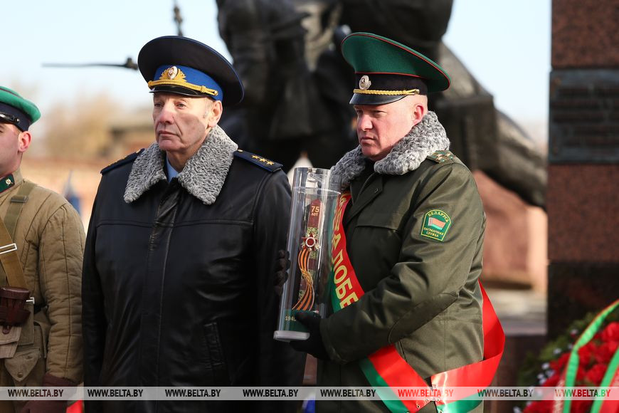 Генерал-полковник Александр Манилов и полковник Кирилл Киндель