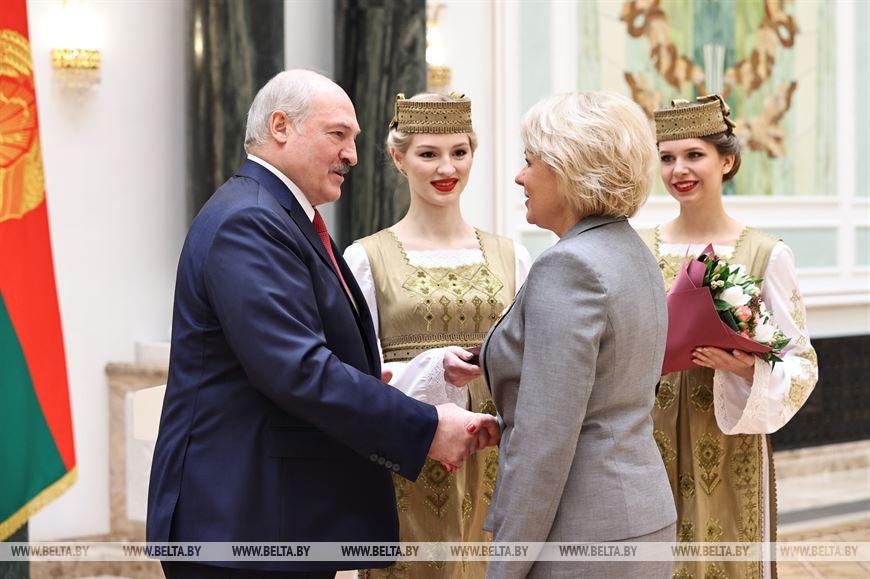 Главный врач Витебского областного клинического роддома Елена Леонович награждена орденом Почета