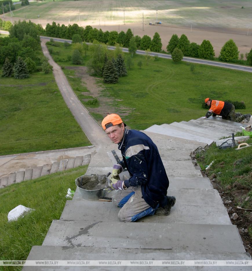 Реконструкция Кургана Славы, 2004 год