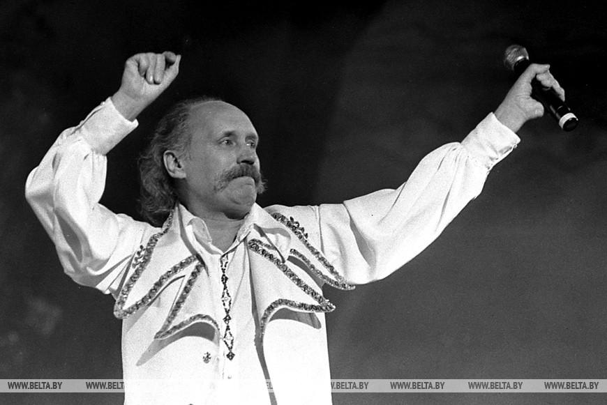 "Владимир Мулявин на фестивале ""Славянский базар-1994"""