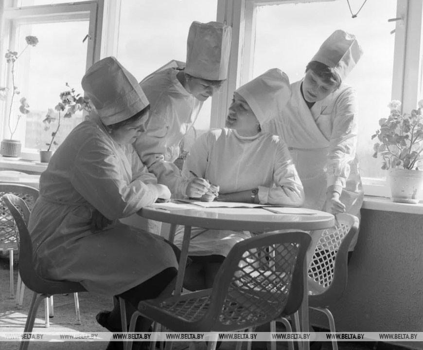 Студентки Витебского государственного медицинского института, 1985 год