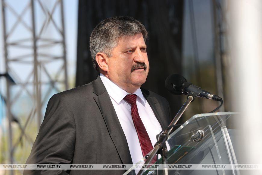 Председатель Гомельского облисполкома Геннадий Соловей во время поздравления горожан с юбилеем Светлогорск