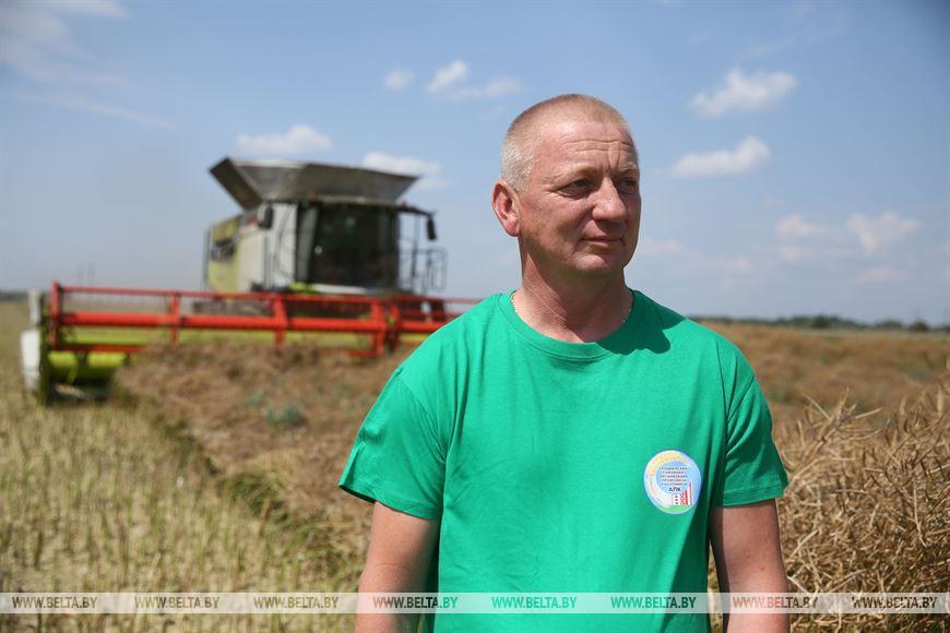 Механизатор СПК им. Сенько Владимир Довгун