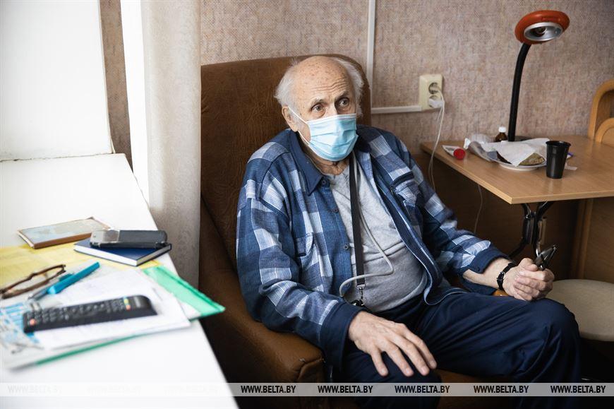 Доцент кафедры детский инфекционных болезней БГМУ Анатолий Астапов проходит реабилитацию после пневмонии, ассоциированной с COVID-19