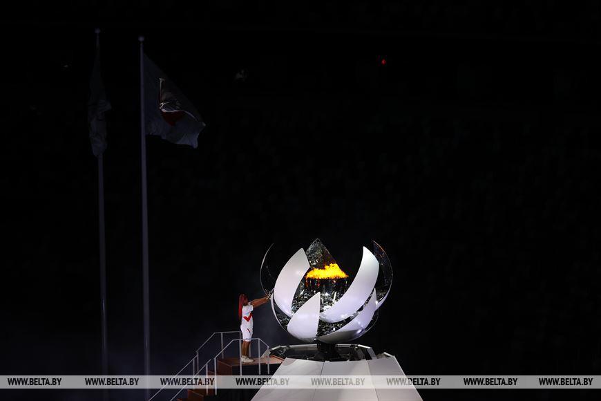 Теннисистка Наоми Осака зажгла олимпийский огонь в Токио
